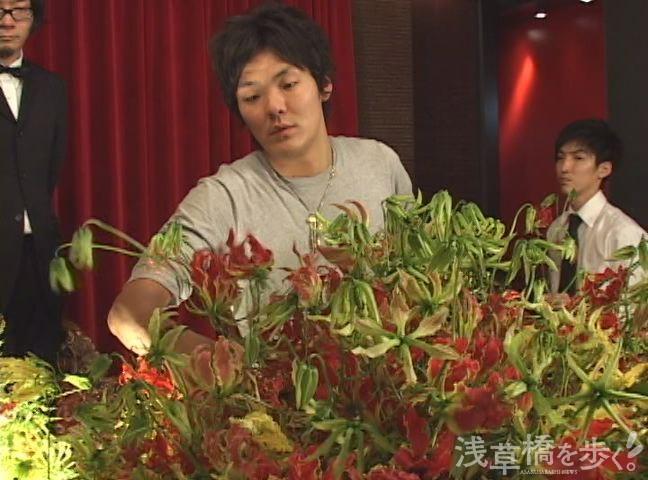 帰国後、千葉さんはフラワーアレンジメントの本場で得たセンスと若い感性で、話題のホテルや店舗を手掛けた。